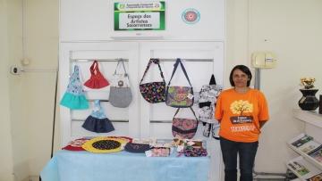 Rosemara leva a sua costura criativa no Espaço dos Artistas Socorrenses da ACE Socorro